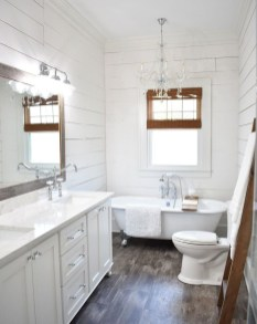 Wonderful Farmhouse Bathroom Decor Ideas 52