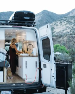 Wonderful Rv Camper Van Interior Decorating Ideas 26