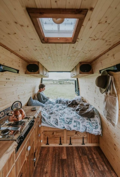 Wonderful Rv Camper Van Interior Decorating Ideas 49