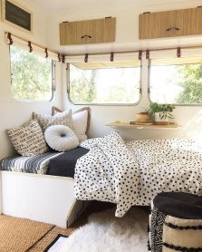 Wonderful Rv Camper Van Interior Decorating Ideas 53