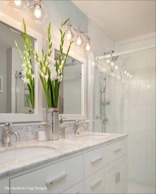 Elegant Farmhouse Bathroom Wall Color Ideas 33