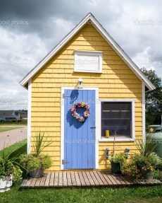 Flawless Exterior House Paint Ideas With Yellow Colors 13