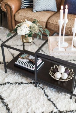 Marvelous Glass Coffee Tables Ideas For Living Room 03