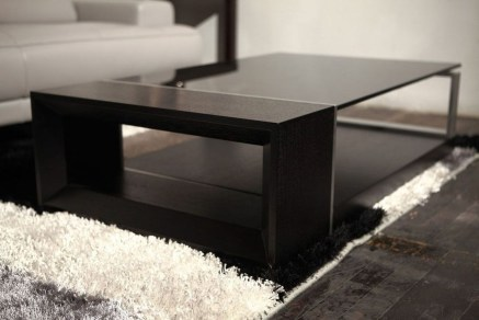 Marvelous Glass Coffee Tables Ideas For Living Room 35