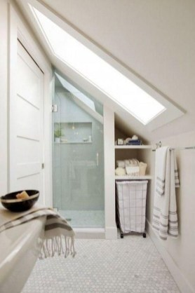 Modern Attic Bathroom Design Ideas 09