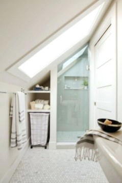 Modern Attic Bathroom Design Ideas 16
