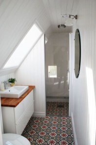 Modern Attic Bathroom Design Ideas 19