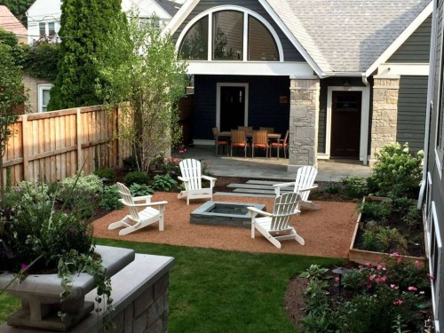 Stunning Front Yard Courtyard Landscaping Ideas 17