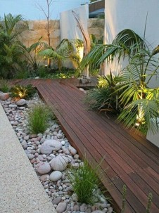 Stunning Front Yard Courtyard Landscaping Ideas 20