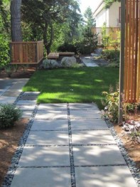 Stunning Front Yard Courtyard Landscaping Ideas 22