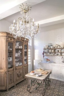Stylish French Country Kitchen Decor Ideas 36