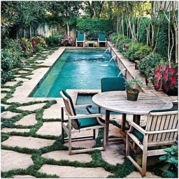 Amazing Natural Small Pools Design Ideas For Backyard 22
