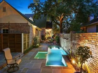 Amazing Natural Small Pools Design Ideas For Backyard 38