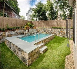 Amazing Natural Small Pools Design Ideas For Backyard 39