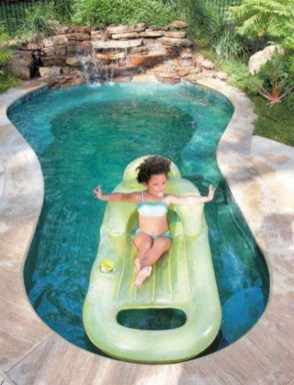 Amazing Natural Small Pools Design Ideas For Backyard 41