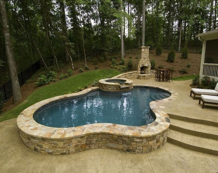 Amazing Natural Small Pools Design Ideas For Backyard 46