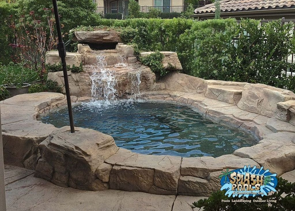 Amazing Natural Small Pools Design Ideas For Backyard 49