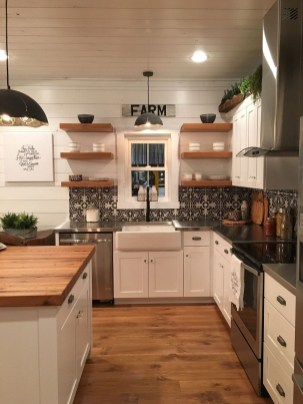 Attractive Kitchen Decorating Ideas With Farmhouse Style 17
