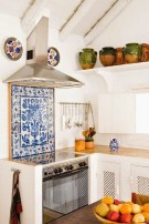 Attractive Kitchen Decorating Ideas With Farmhouse Style 39
