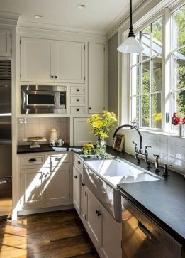 Stunning Country Farmhouse Design Ideas For Kitchen 08
