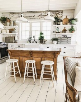 Stunning Country Farmhouse Design Ideas For Kitchen 35