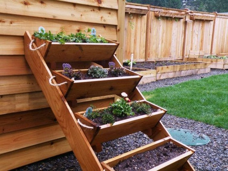 Fancy Garden Bed Borders Ideas For Vegetable And Flower 16