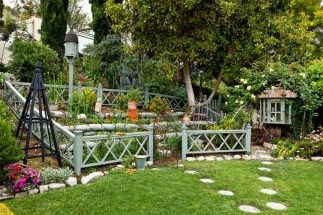 Fancy Garden Bed Borders Ideas For Vegetable And Flower 37