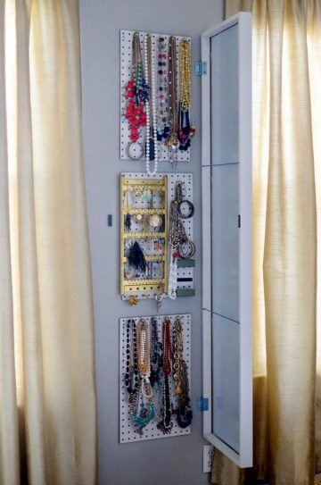 Inexpensive Bedroom Organization Ideas On A Budget 03
