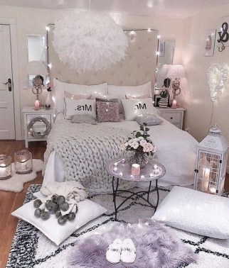 Popular Lighting Design Ideas For Bedroom Looks Beautiful 27