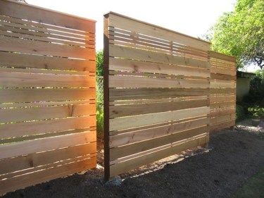 Charming Privacy Fence Ideas For Gardens 22