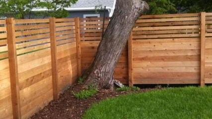 Charming Privacy Fence Ideas For Gardens 30