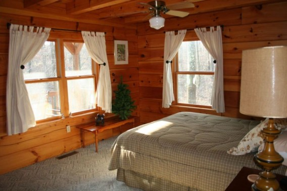 Comfy Wooden Cabin Bedroom Design Ideas For Summer Holiday 25