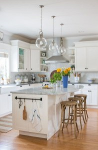 Cool Colorful Kitchen Decor Ideas For Summer 21