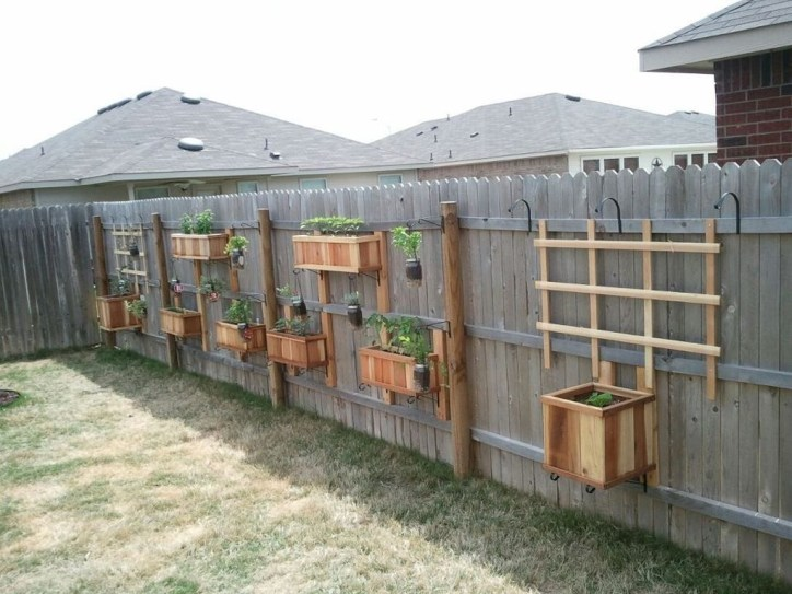 Cool Garden Fence Decoration Ideas To Try This Year 26