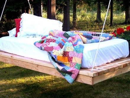 Fancy Diy Ideas To Make Bed Place From Pallet Project 10