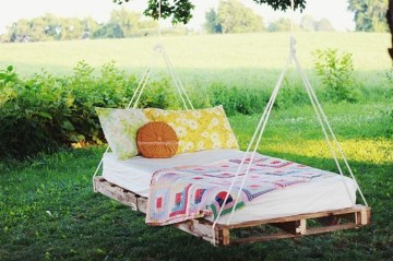 Fancy Diy Ideas To Make Bed Place From Pallet Project 20