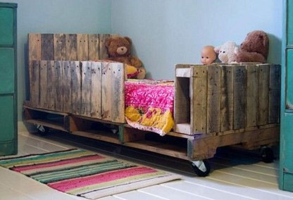 Fancy Diy Ideas To Make Bed Place From Pallet Project 44
