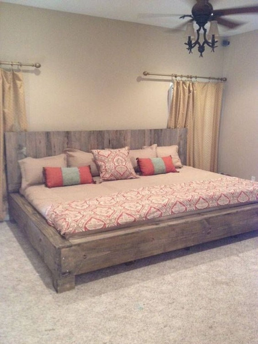 Fancy Diy Ideas To Make Bed Place From Pallet Project 49