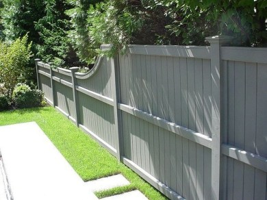 Gorgeous Black Wooden Fence Design Ideas For Frontyards 34