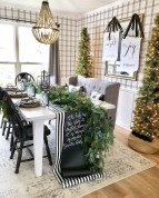 Hottest Christmas Table Decorating Ideas For You 04
