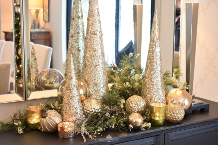 Hottest Christmas Table Decorating Ideas For You 08