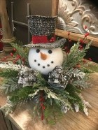 Hottest Christmas Table Decorating Ideas For You 10