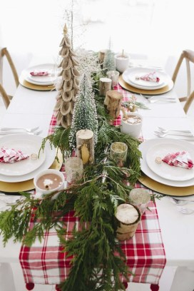 Hottest Christmas Table Decorating Ideas For You 26