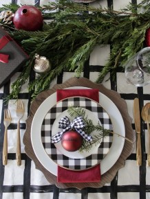 Hottest Christmas Table Decorating Ideas For You 33