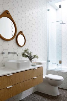 Incredible Bathroom Design Ideas For Summer 33