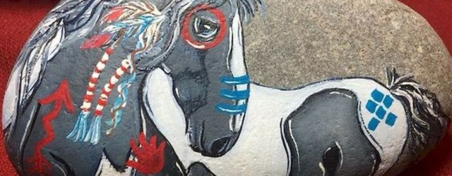 Inspiring Diy Painted Rocks Ideas With Animals Horse For Summer 39