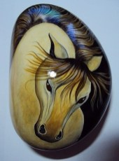 Inspiring Diy Painted Rocks Ideas With Animals Horse For Summer 43