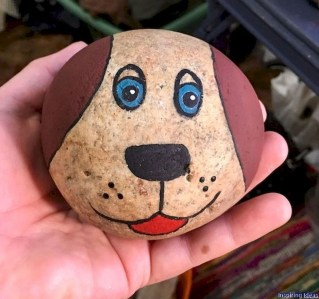 Magnificient Diy Painted Rocks Ideas With Animals Dogs For Summer 02