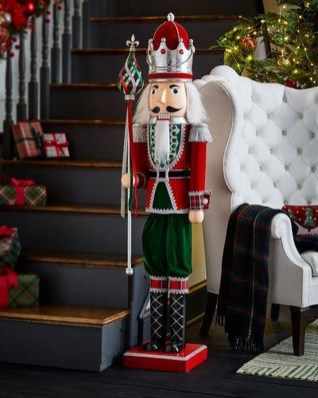 Newest Christmas Decorating Ideas That Will Spark Your Creativity 52