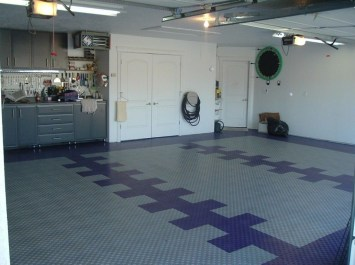 Pretty Garage Floor Design Ideas That You Can Try In Your Home 16